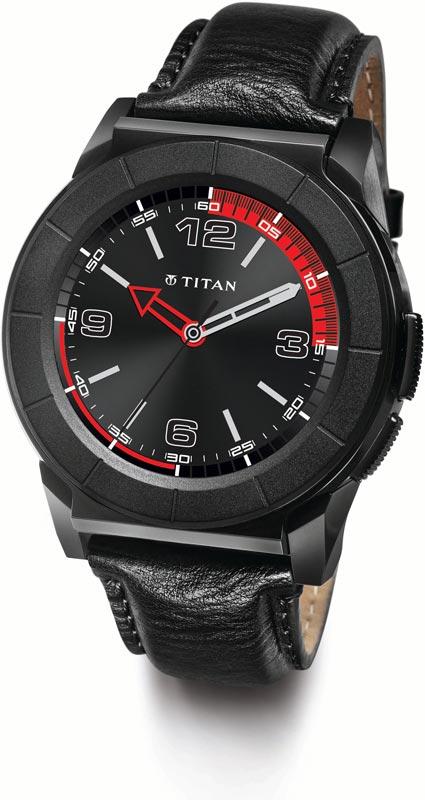 Best price on Titan Juxt Pro Smartwatch in India